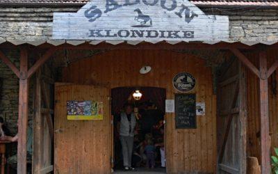 Saloon Klondike, Luže